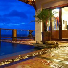 Bazén s terasou
